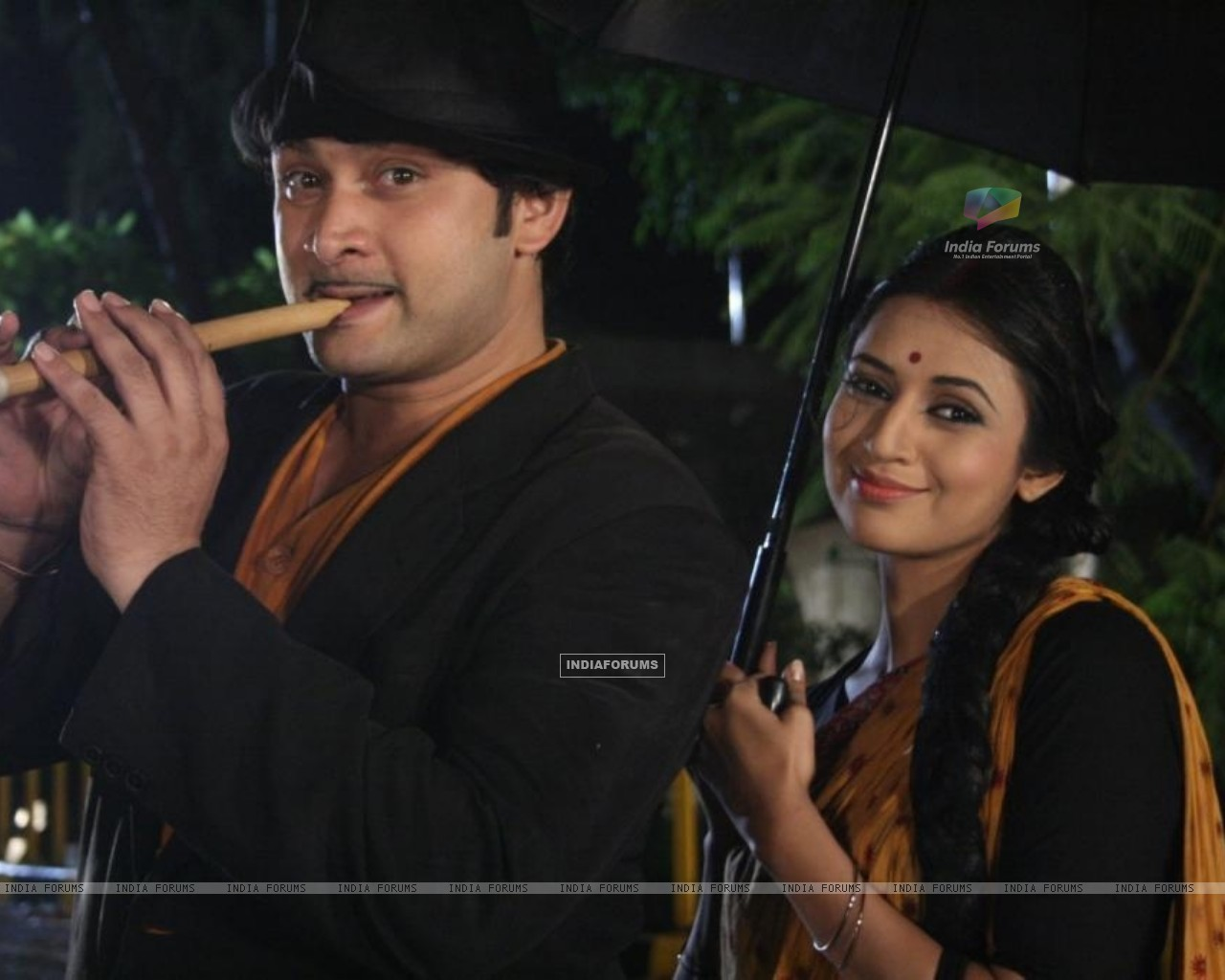 Divyanka and Rajesh act in a song Mera Joota Hai Japani (83049) size:1280x1024