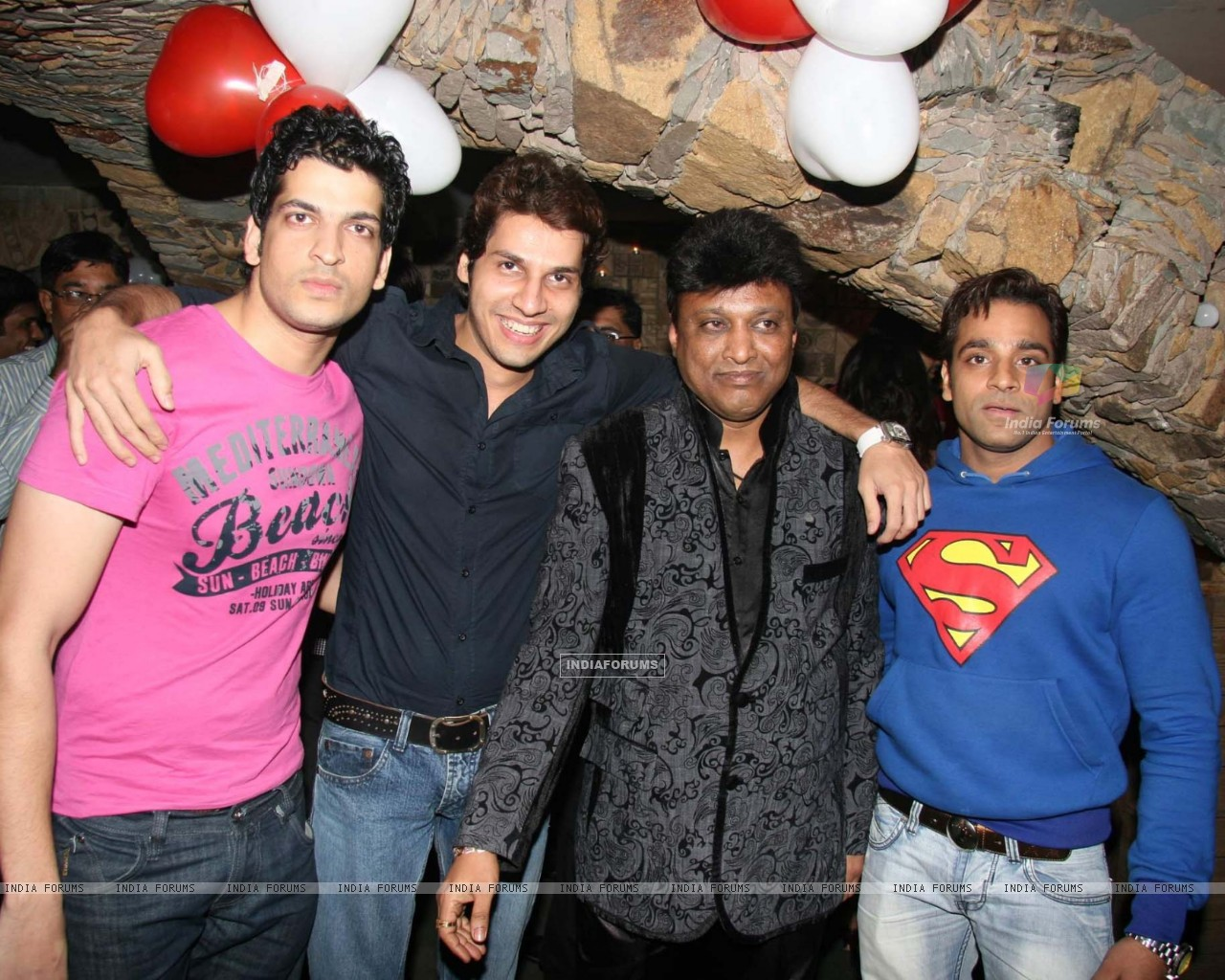 Aashish Chaudhry at Manik Soni''s birthday bash at Kino''s Cottage (85632) size:1280x1024