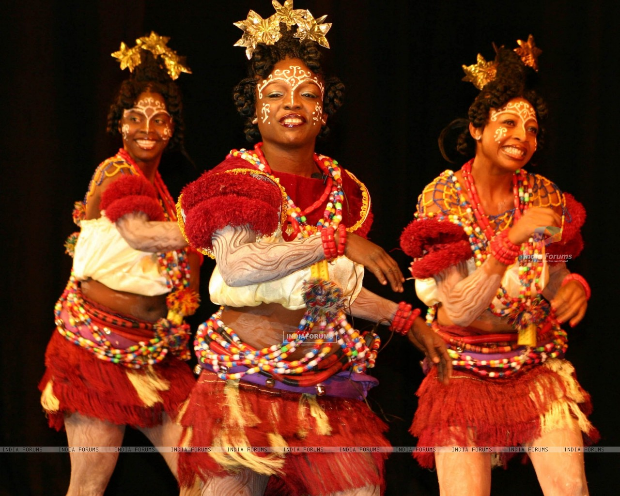 Performance by dance and music group from Nigeria during the Africa Festival in New Delhi on Wednesday (87761) size:1280x1024
