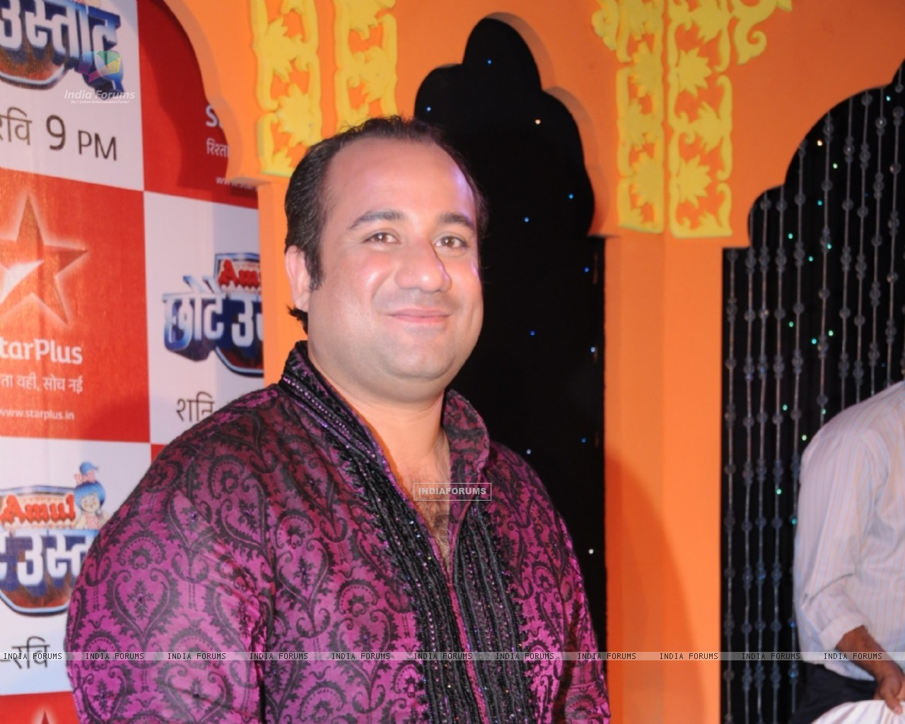 Rahat Fateh Ali Khan as a judge (91248) size:1280x1024