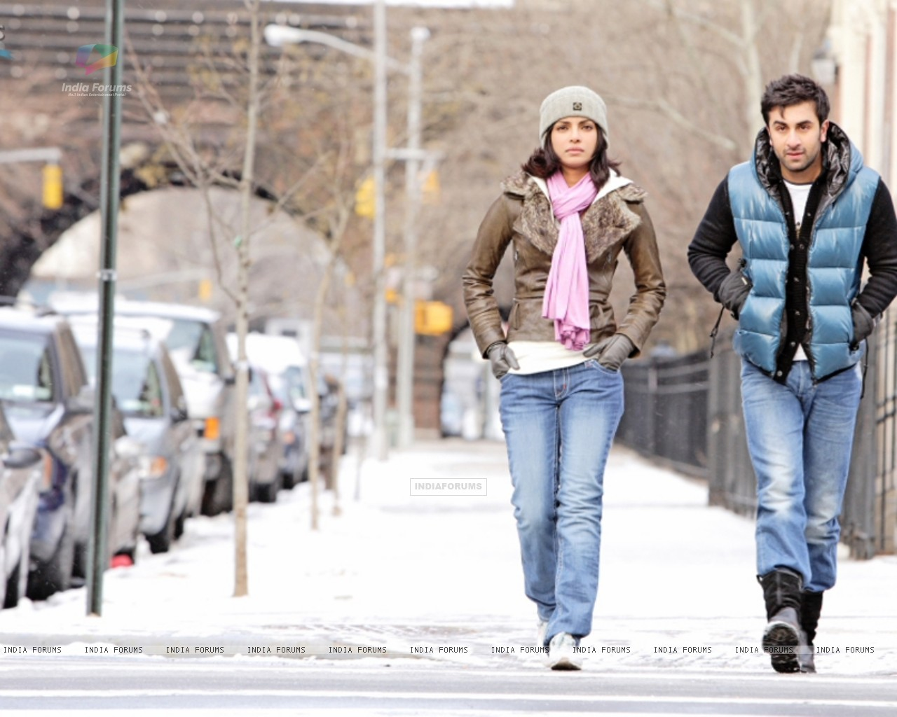 Ranbir and Priyanka in the movie Anjaana Anjaani (92715) size:1280x1024