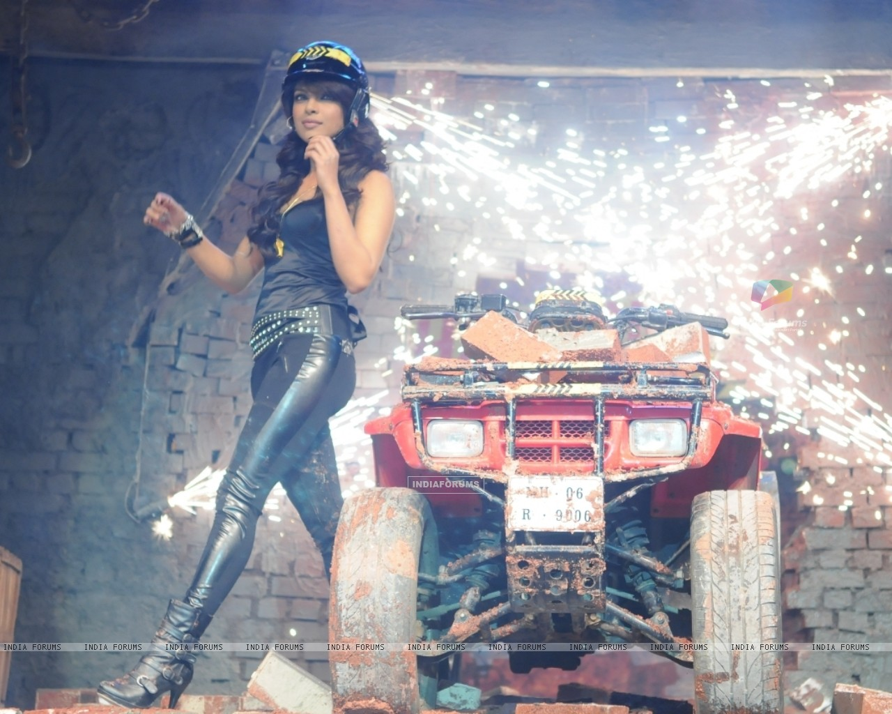 Priyanka Chopra the host of Colors Fear Factor - Khatron Ke Khiladi x 3 (93038) size:1280x1024