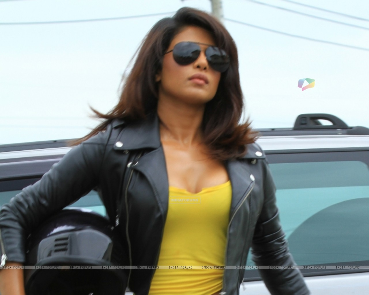 Priyanka Chopra as a host in Fear Factor - Khatron Ke Khiladi x 3 (96053) size:1280x1024