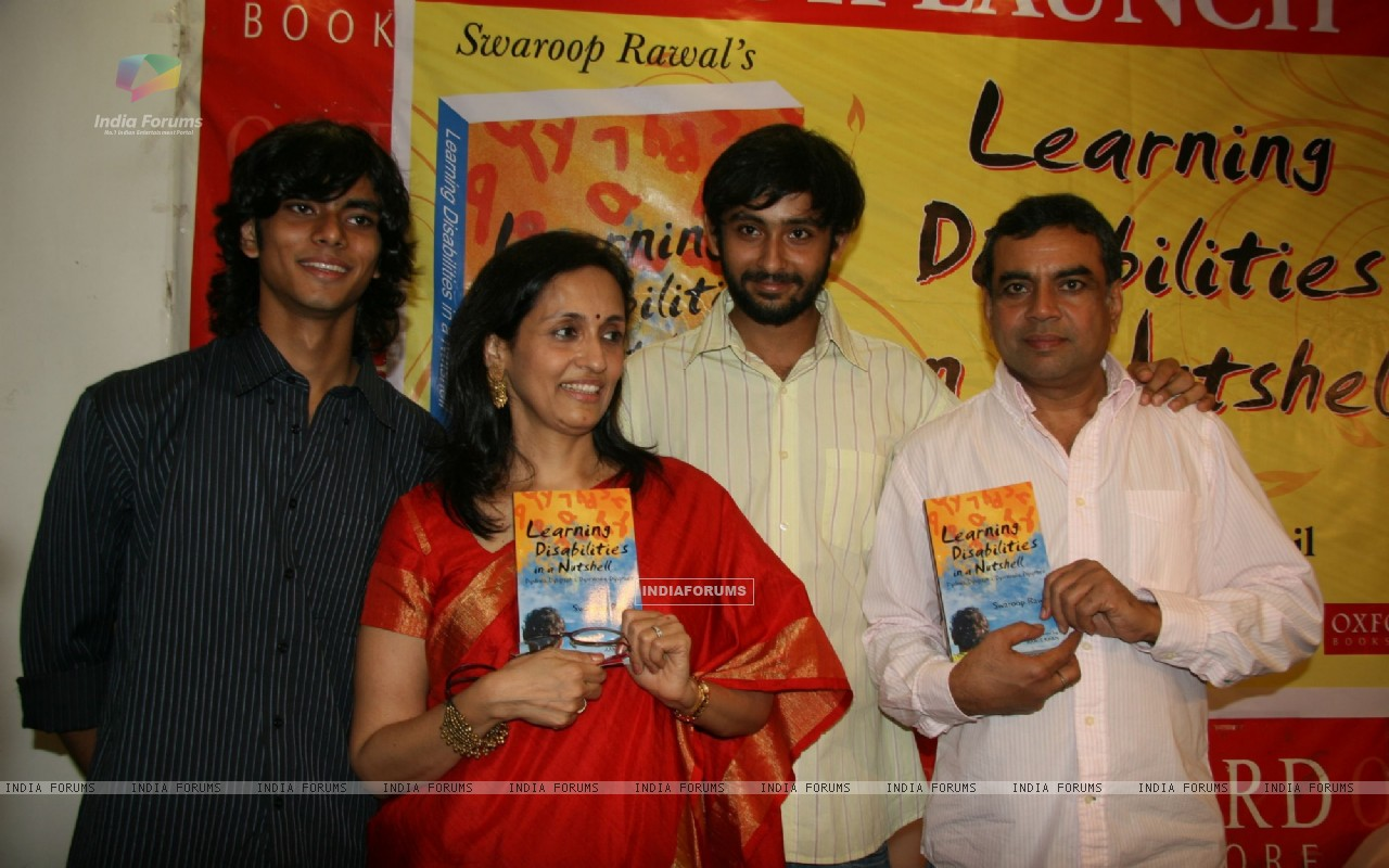 Paresh Rawal and Swaroop Rawal's book launch at Oxford Bookstore at Mumbai (102489) size:1280x800
