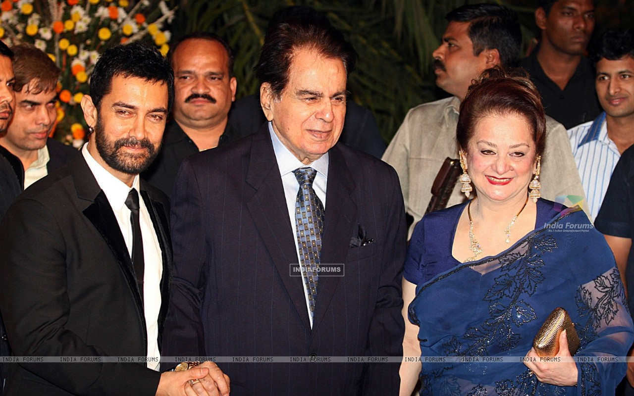 Dilip Kumar Aamir With Dilip Kumar And Saira Banu At Imran Khan