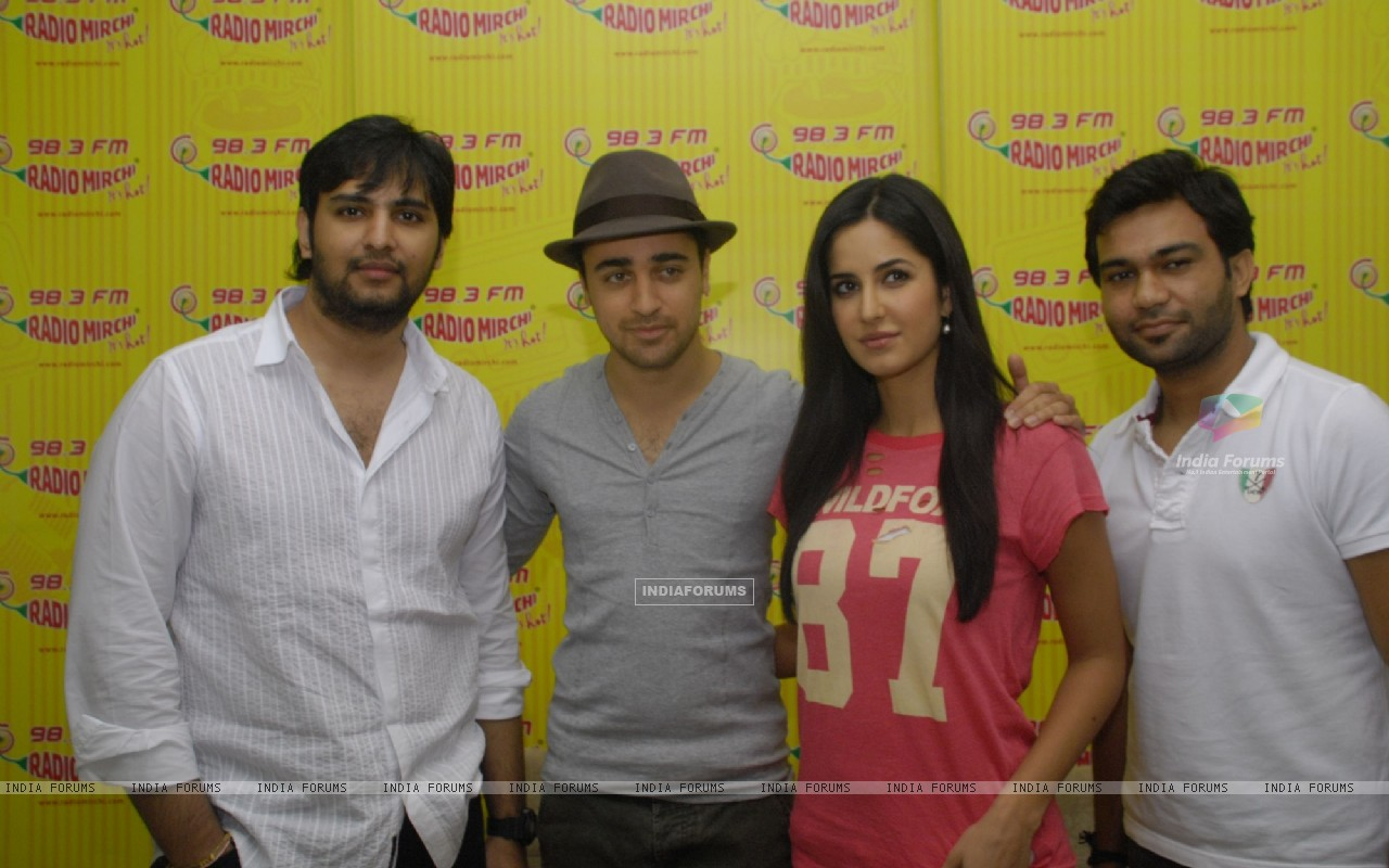Imran and Katrina Promote MBKD at Radio Mirchi. . (153950) size:1280x800