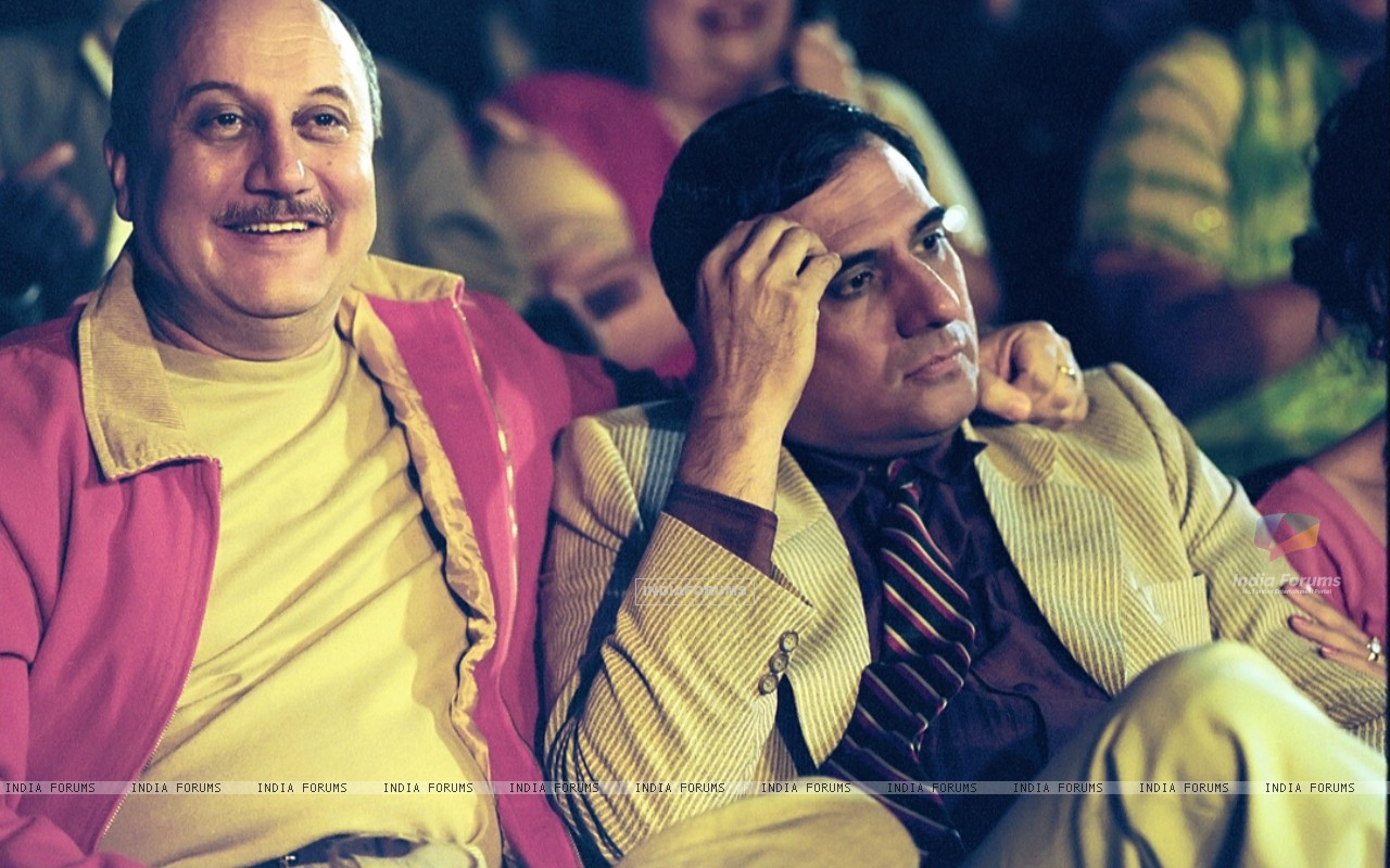Anupam looking happy and Boman looking confused (15512) size:1280x800