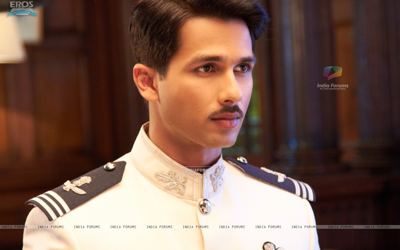 Shahid Kapoor in the movie Mausam (156297) size:1280x800