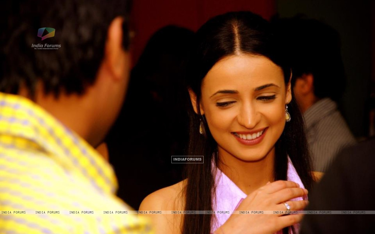 User comments on image titled quot sanaya irani quot 161171