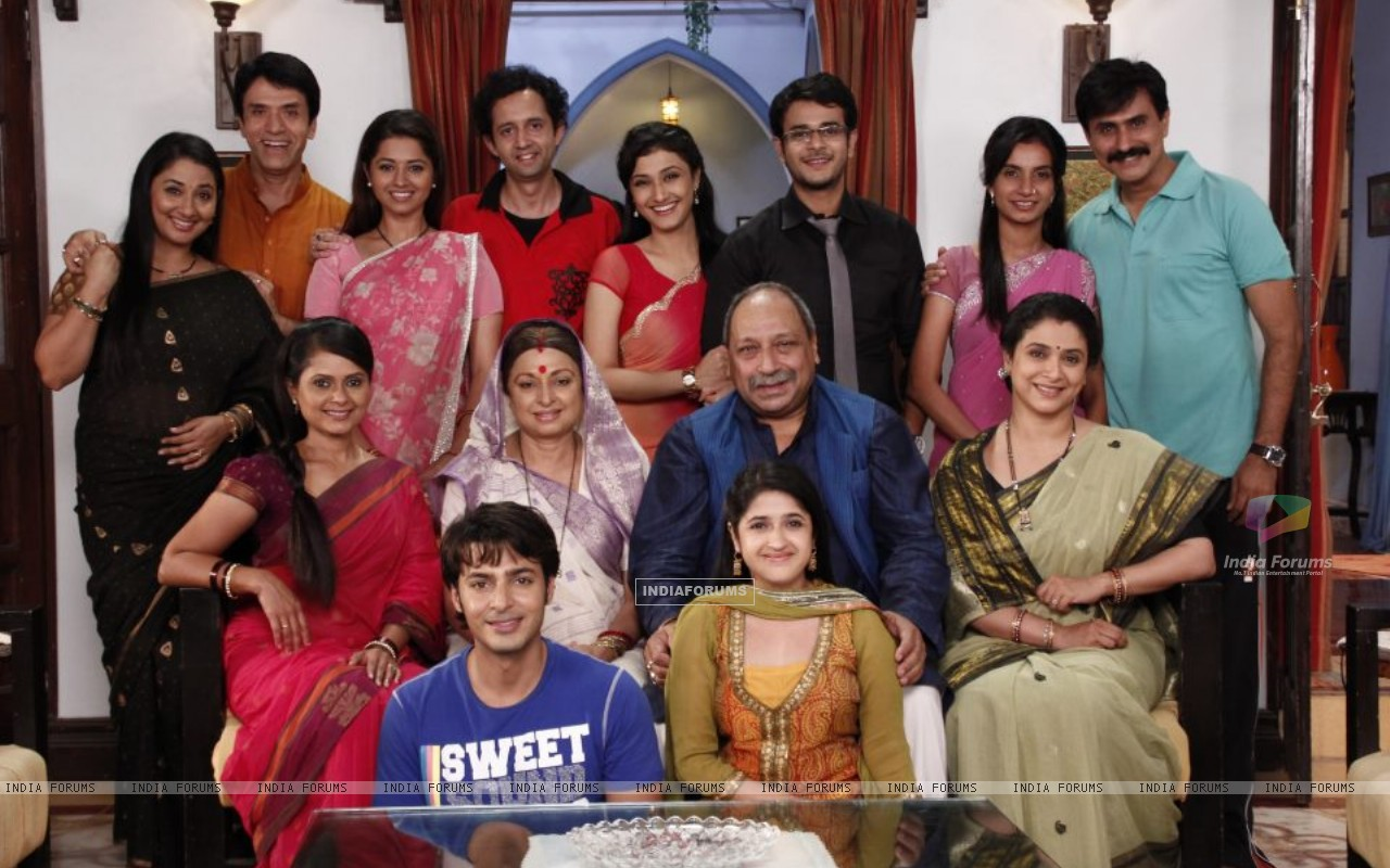 Cast of Sasural Genda Phool (161515) size:1280x800