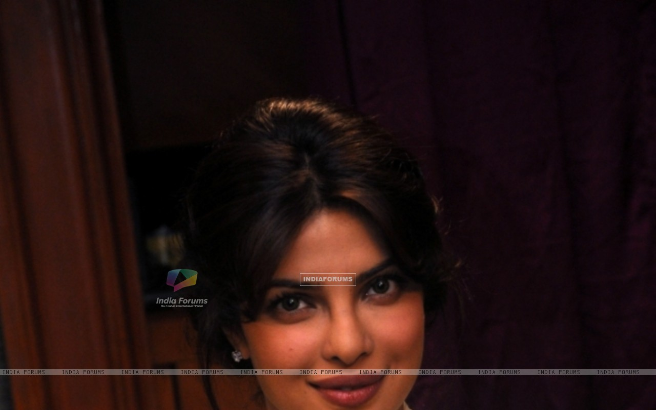 Priyanka Chopra on Zoom (163441) size:1280x800