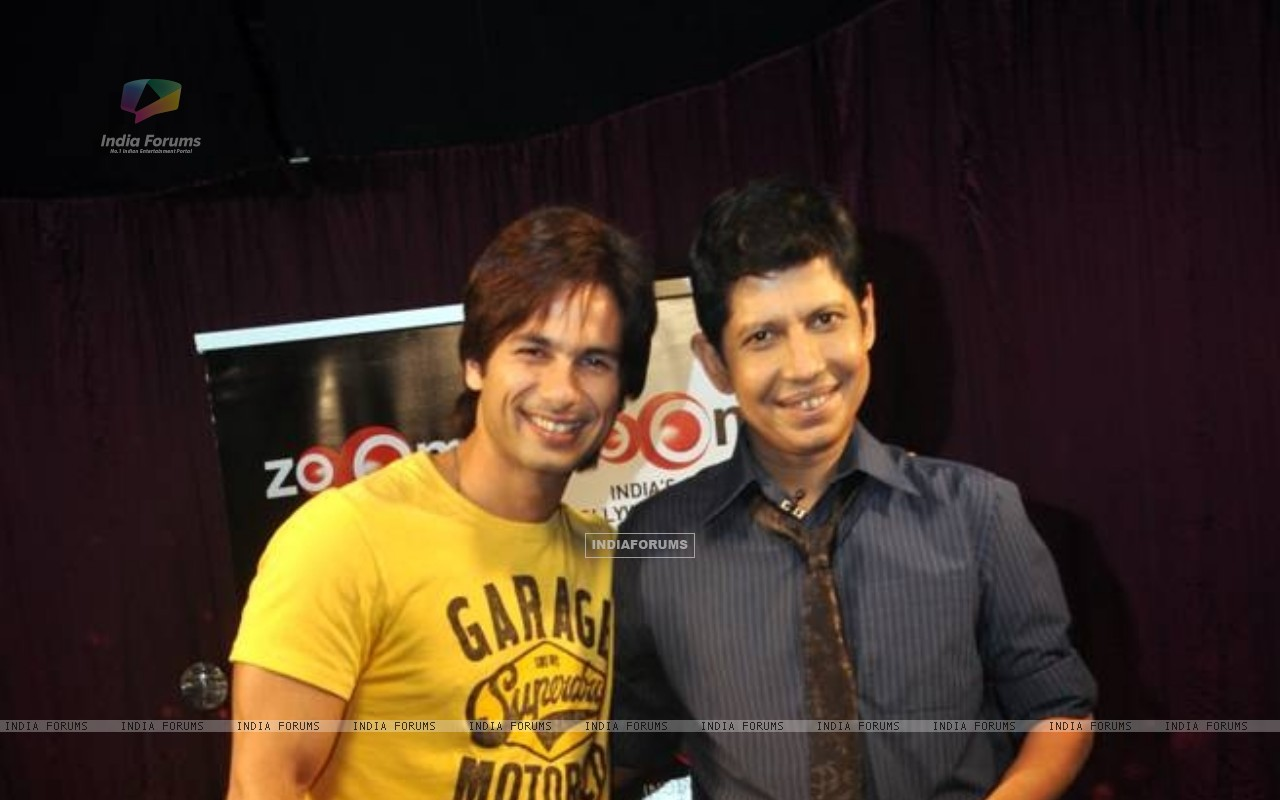 Shahid Kapoor with Omar Qureshi on Zoom (163444) size:1280x800