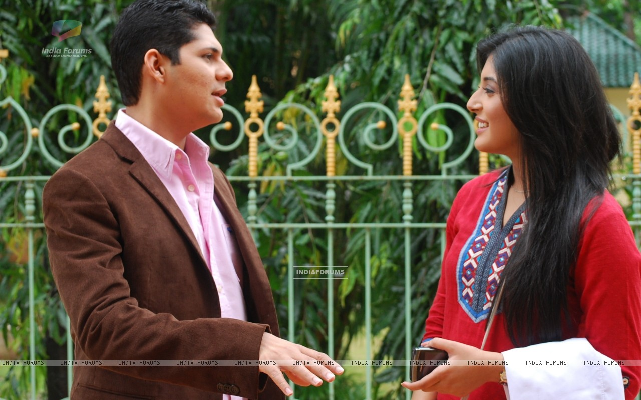 Dr. Nidhi with Dr. Ranganth in tv show Kuch Toh Log Kahenge (163558) size:1280x800