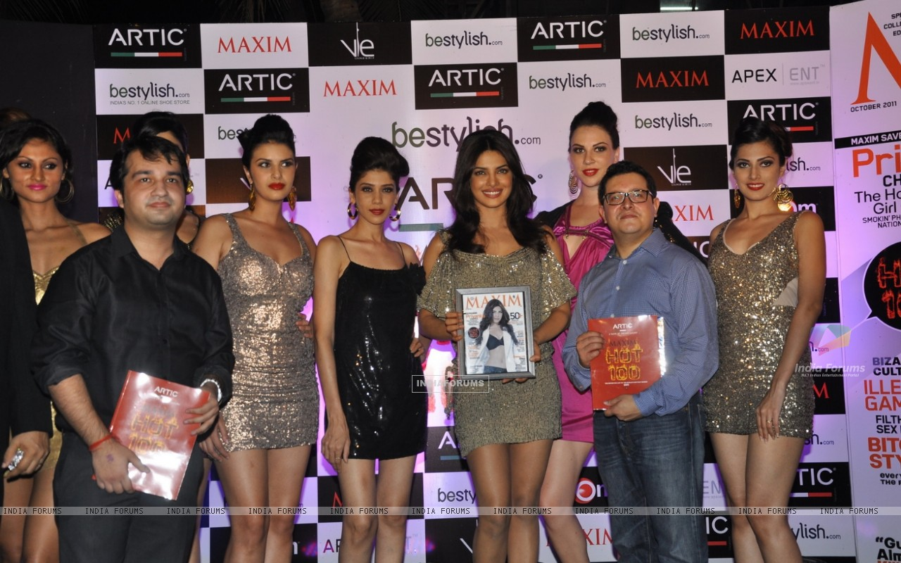 Priyanka Chopra at Maxim Magazine's new cover launch at Vie Lounge in Juhu, Mumbai (163658) size:1280x800