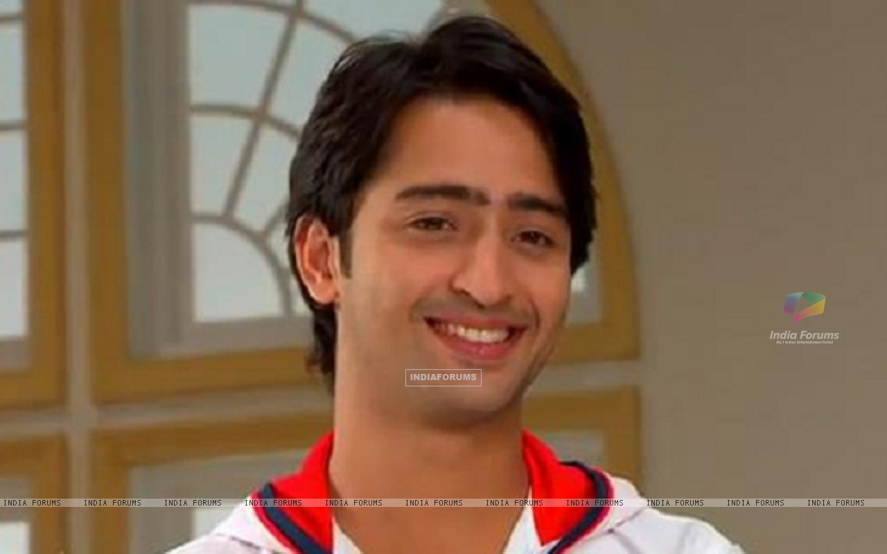 Anant sweet smile in TV Show Navya (164677) size:1280x800