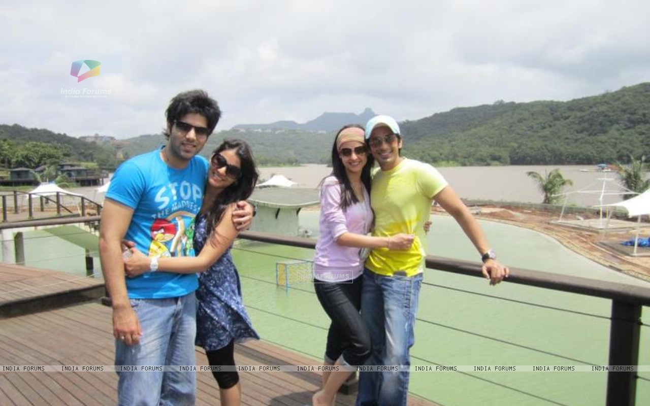Mohit and Kinshuk on a double date with their lady love Sanaya and Divya respectively (164861) size:1280x800