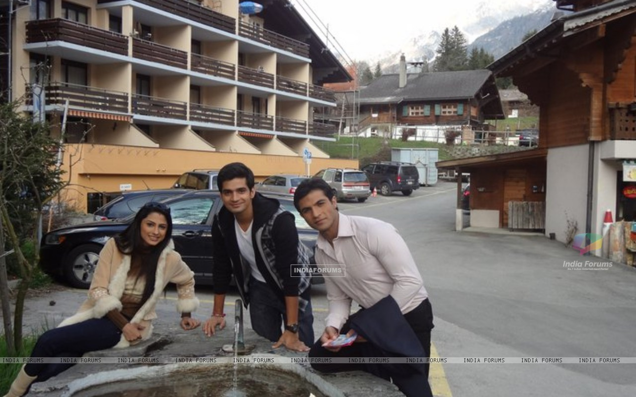 Saath Nibhana Saathiya cast in Switzerland (168457) size:1280x800
