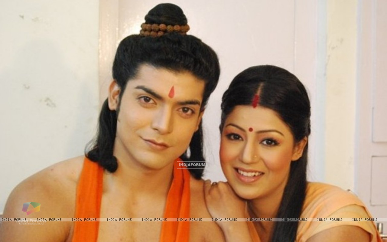 Gurmeet & Debina during shooting of Ramayan (169611) size:1280x800