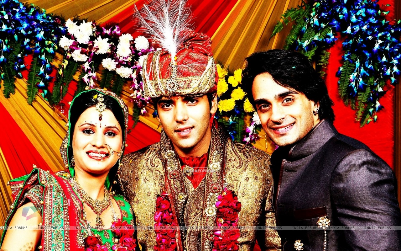Angad Hasija with Tv actor Kinshuk Mahajan gets married to Divya Gupta in Delhi (170275) size:1280x800