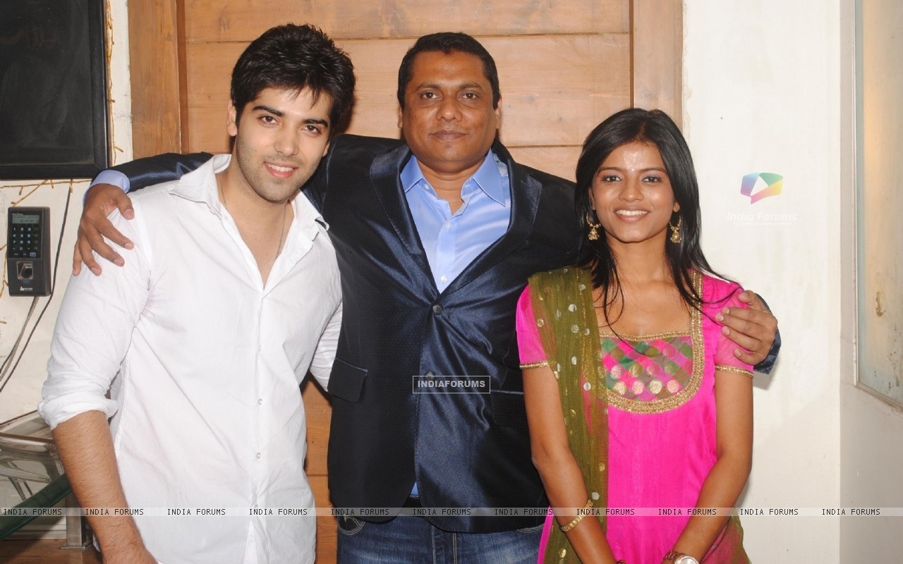 Kinshuk Mahajan and Mitali Nag with Producer Raakesh Paswan bash was a rocking affair at Sky Lounge (175399) size:1280x800