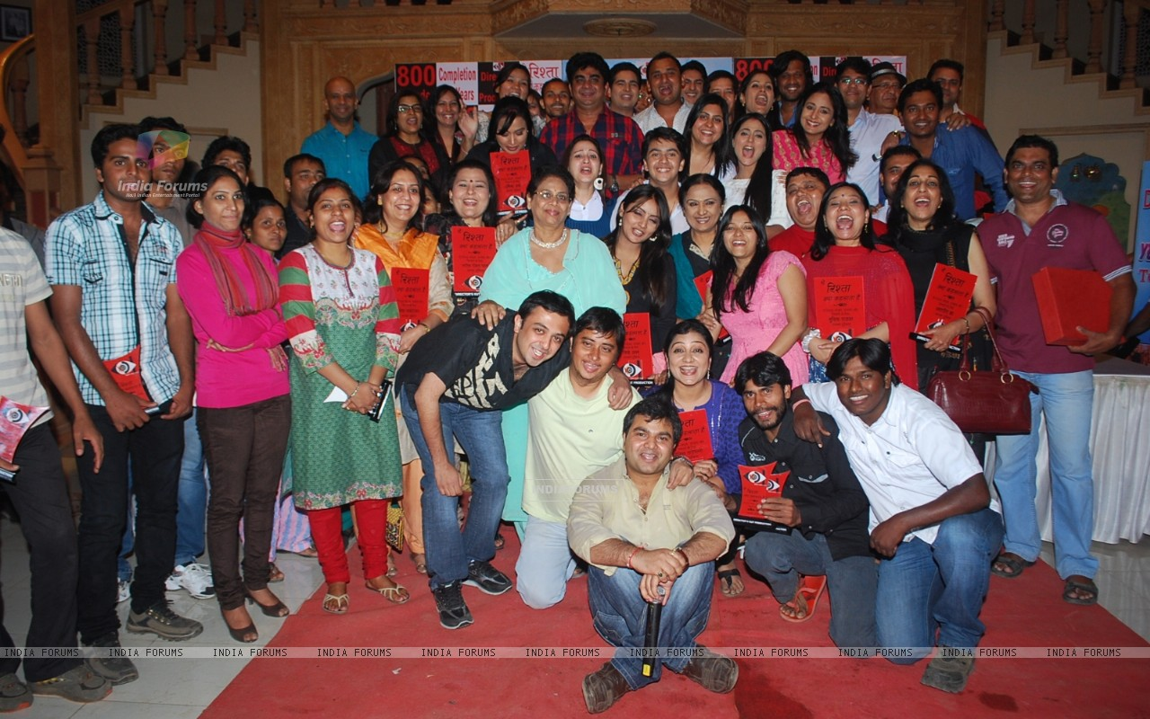 Rajan Shahi's get together on the sets of 'Ye Rishta Kya Kehlata Hai' on completion of 800 episodes & 3 Years of the show on Star Plus (179639) size:1280x800