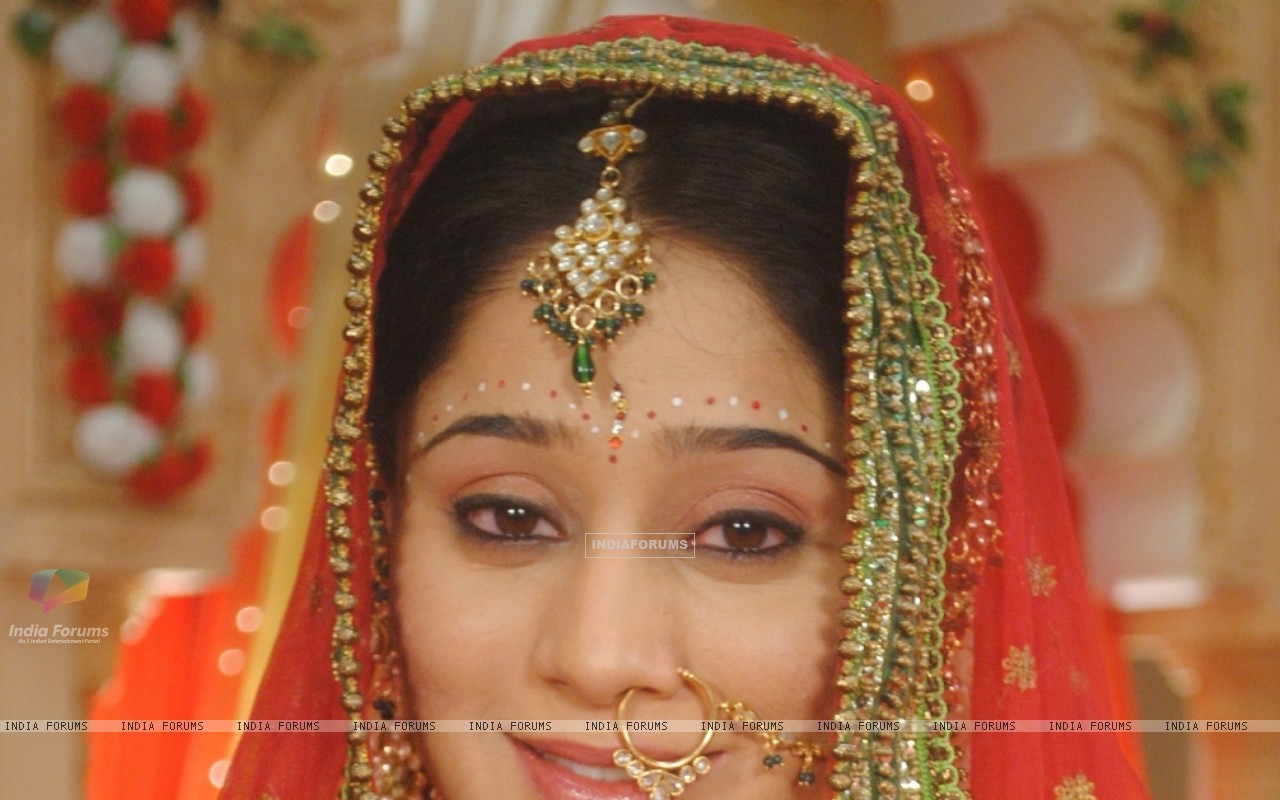 Soumya Seth as Navya in bridal attire (180617) size:1280x800