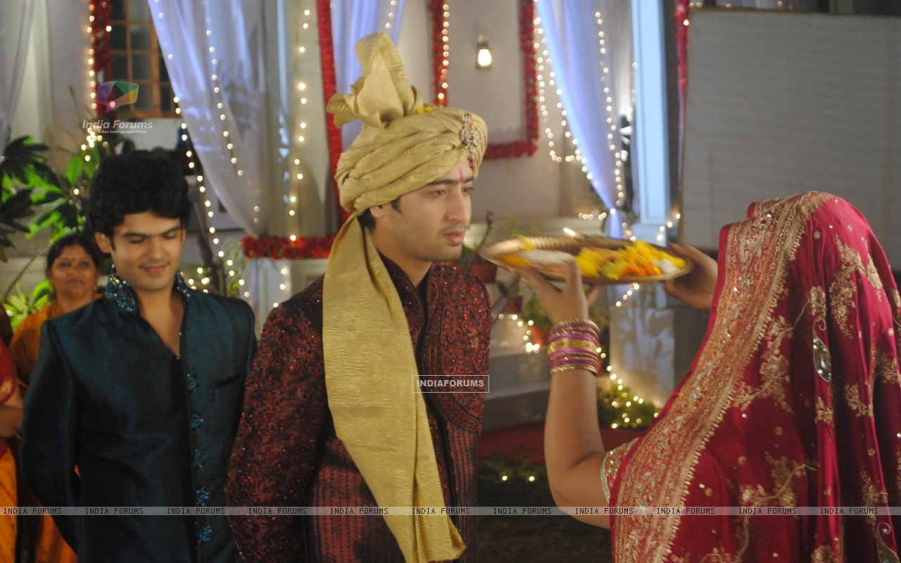 Shaheer Sheikh as Anant as a bride in tv show Navya (180636) size:1280x800