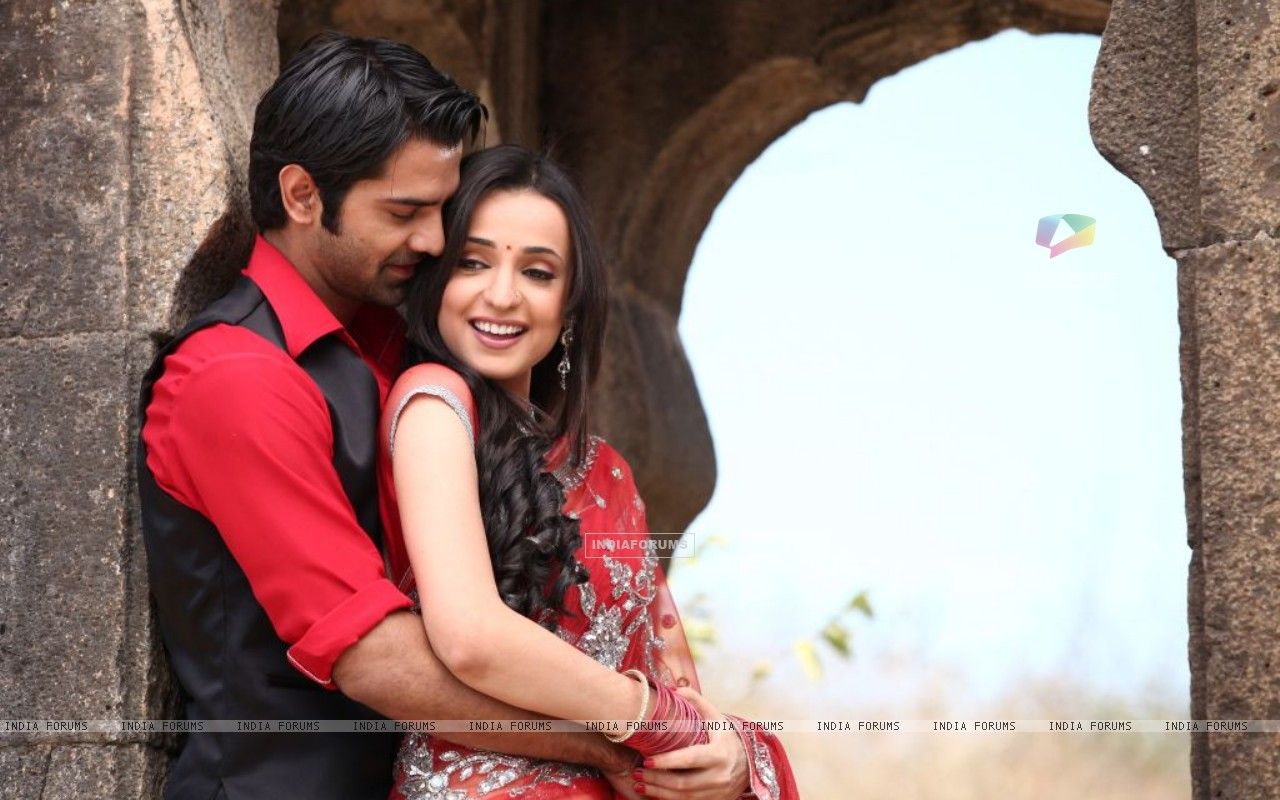 Sanaya-Barun in Star Parivaar Awards 2012 (185487) size:1280x800