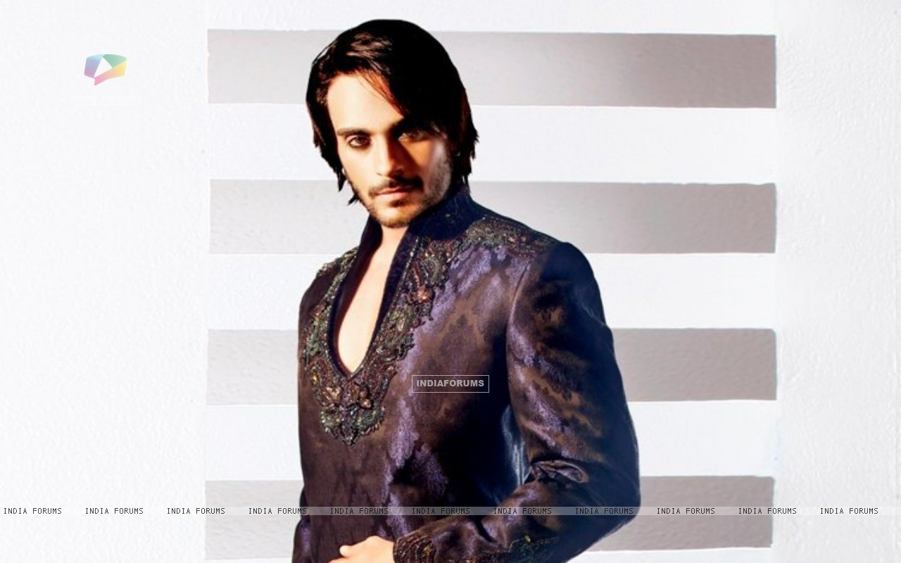 Angad Hasija doing a photoshoot (186914) size:1280x800
