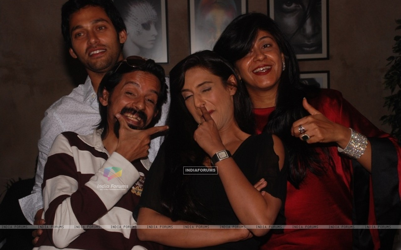 Rati Pandey, Sumit Vats, Ila Bedi Dutta at celebration of 100 episodes of Hitler Didi (191552) size:1280x800