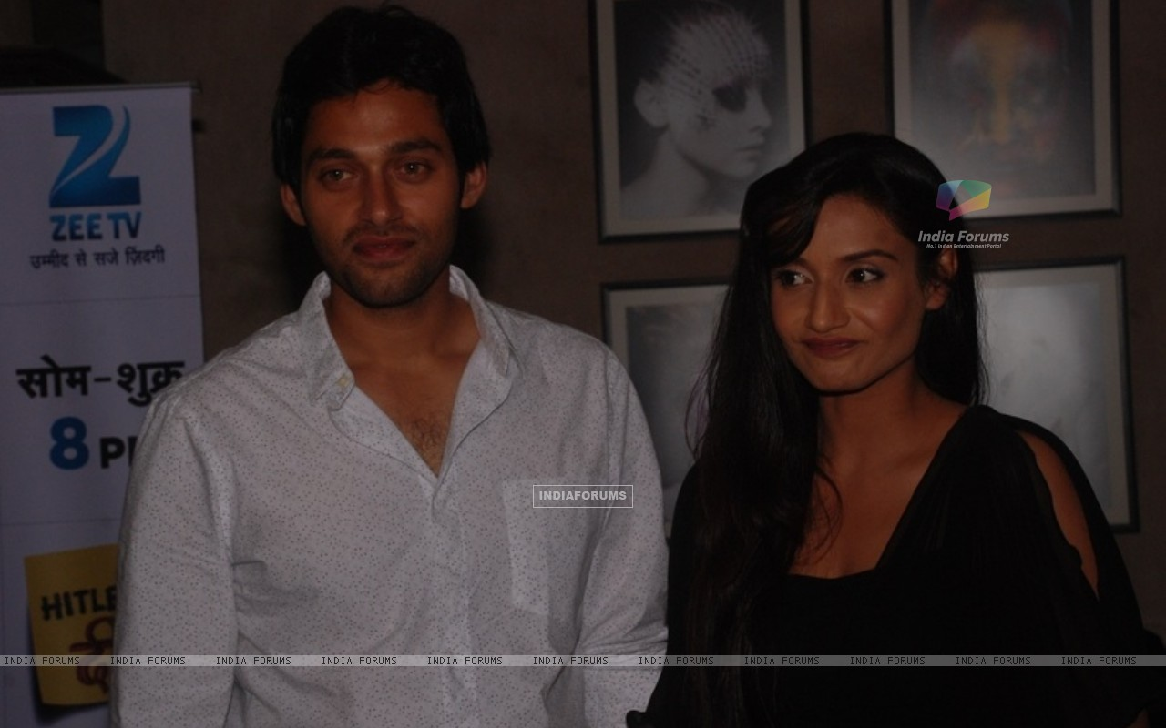 Sumit Vats and Rati Pandey at celebration of 100 episodes of Hitler Didi (191565) size:1280x800