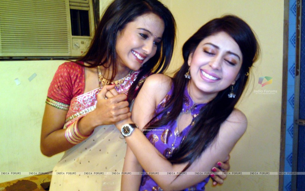 Neha Sargam and Heena Parmar on sets of Haar Jeet (196260) size:1280x800