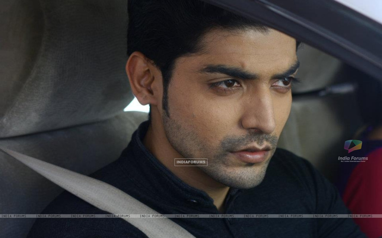 Gurmeeet as Yash on sets of punar vivah (196276) size:1280x800