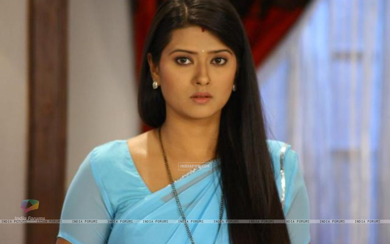 Kratika behind the scenes on the set of Punar Vivah (196699) size:1280x800