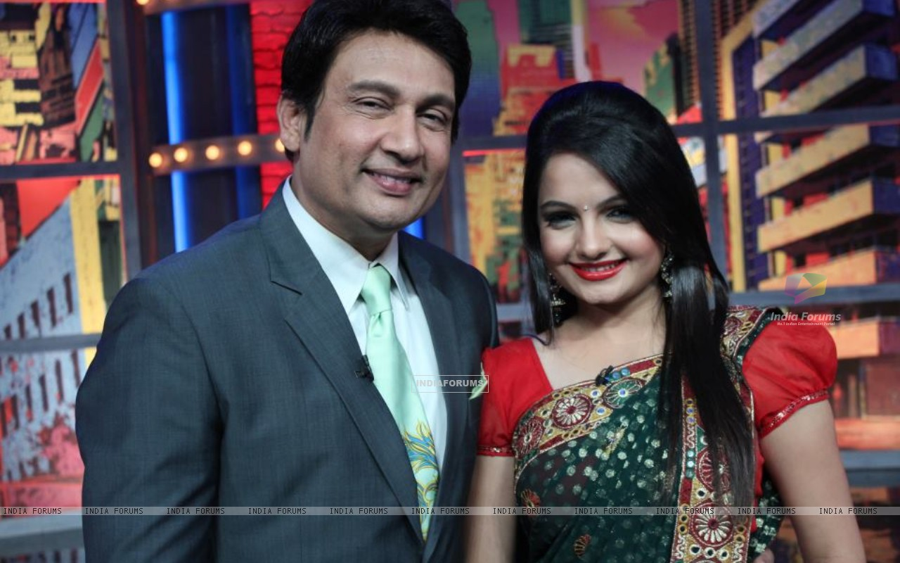 Giaa Manek and Shekhar Suman at Movers and Shakers (198638) size:1280x800