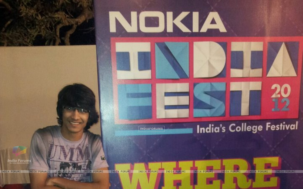 Shantanu in Goa (200889) size:1280x800