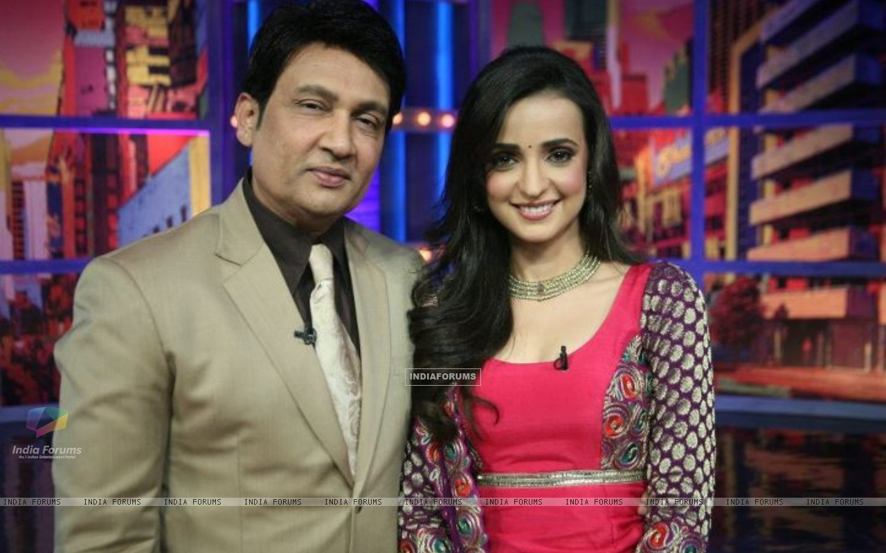 Sanaya Irani and Shekhar Suman on Movers and Shakers (201259) size:1280x800