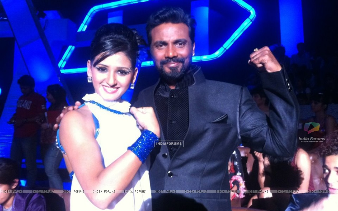 Shakti Mohan and Remo on the sets of Dance India Dance (201794) size:1280x800
