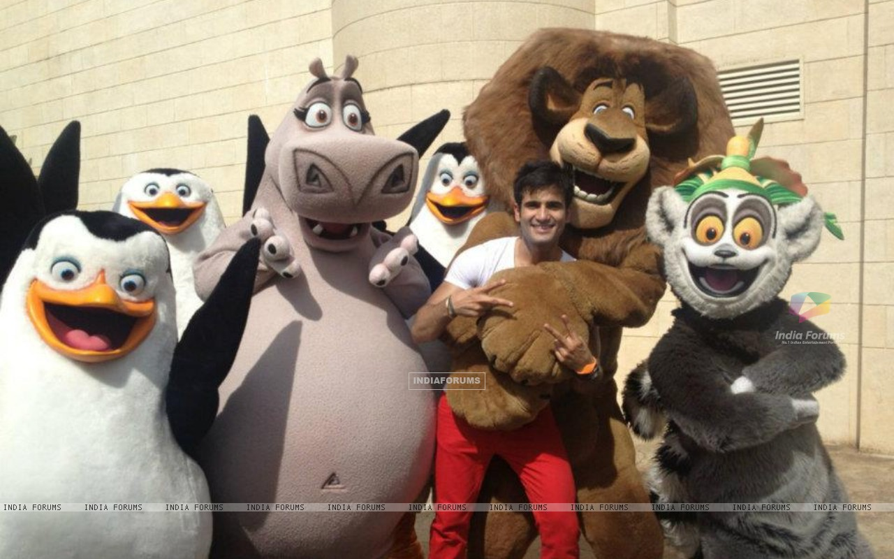 Karan Tacker in Madagascar - Singapore (202444) size:1280x800