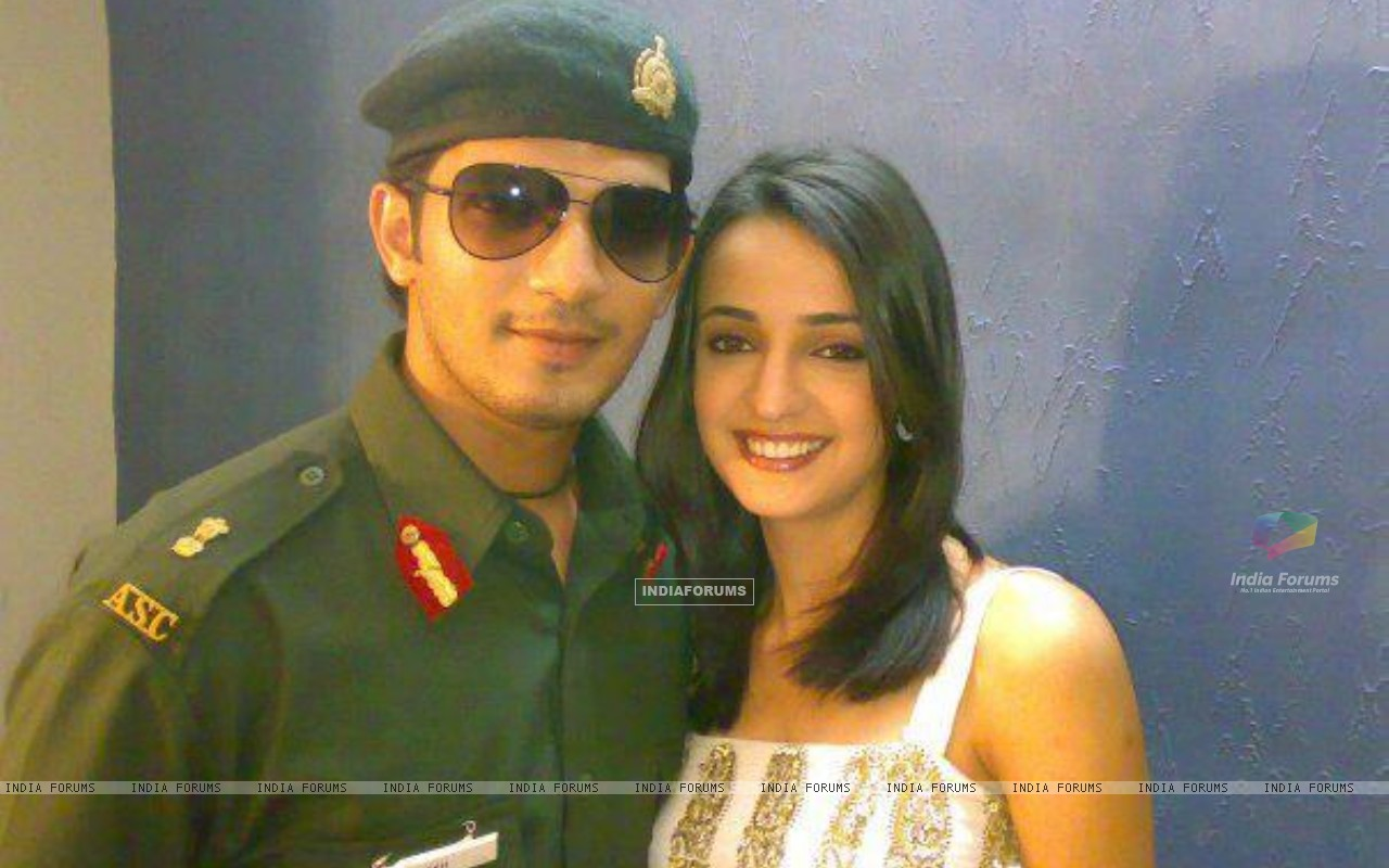 Sanaya Irani on the sets of Left Right Left (202890) size:1280x800