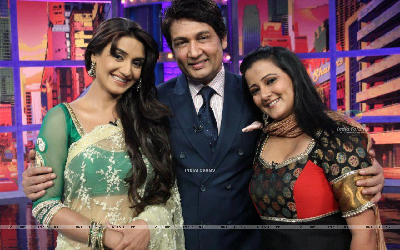 Rati Pandey ,Shekhar Suman & Smita Singh on Movers & shakers set (203199) size:1280x800
