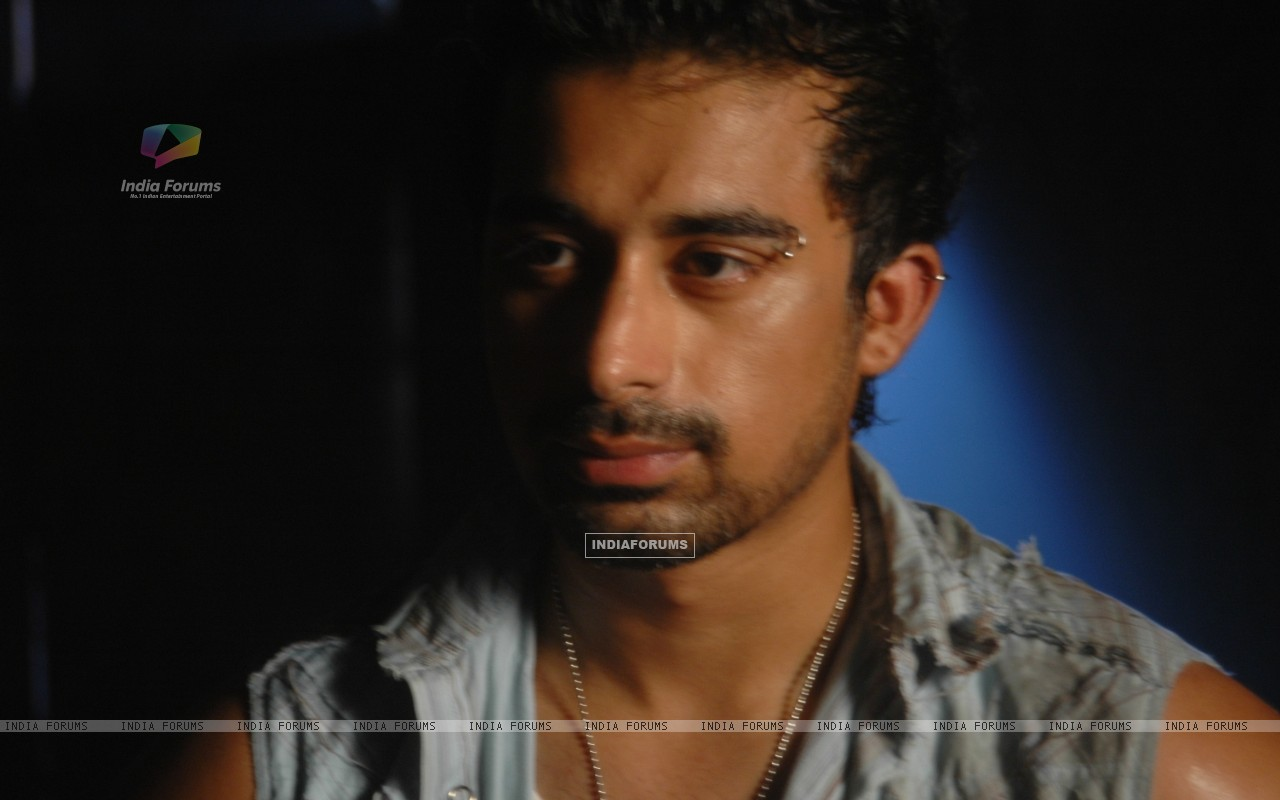 Rannvijay Singh in the movie Toss (20366) size:1280x800