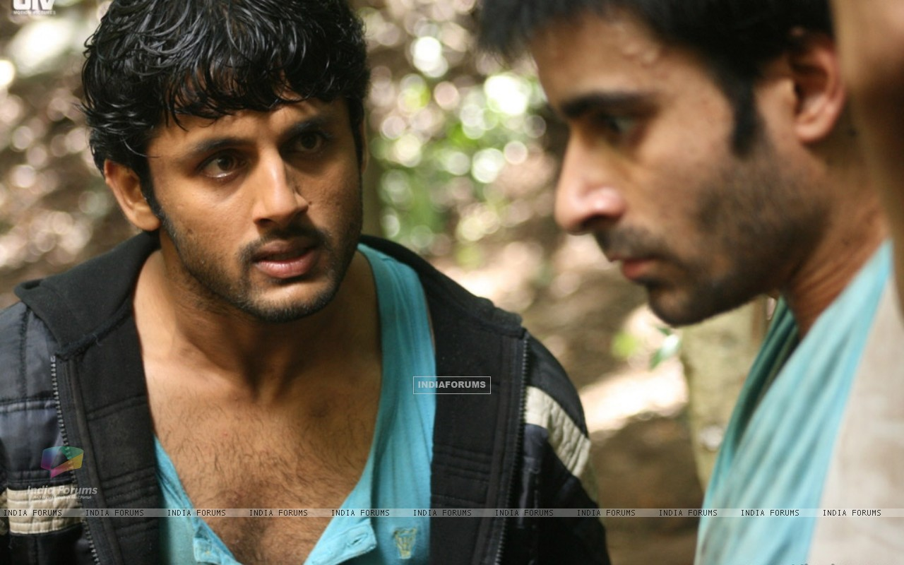 Nitin shouting on Gautam Rode (20394) size:1280x800