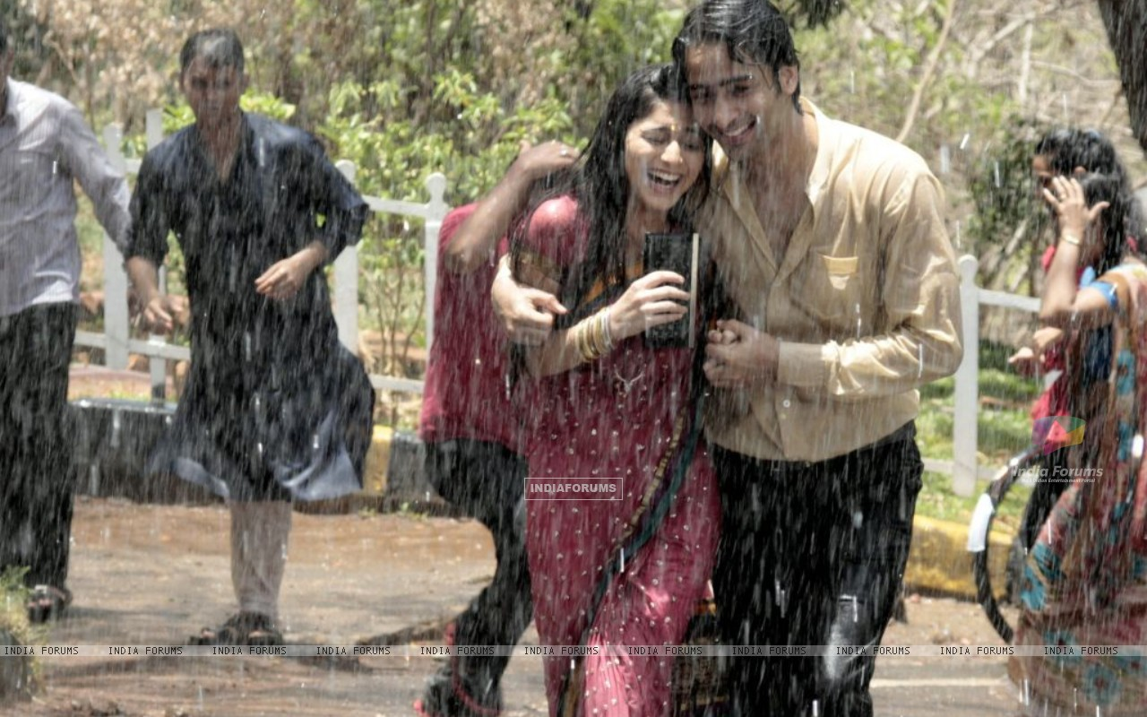 Anant and Navya (204413) size:1280x800