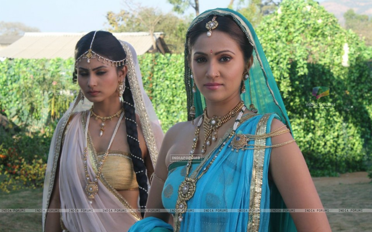 Khyati and Sati (204643) size:1280x800