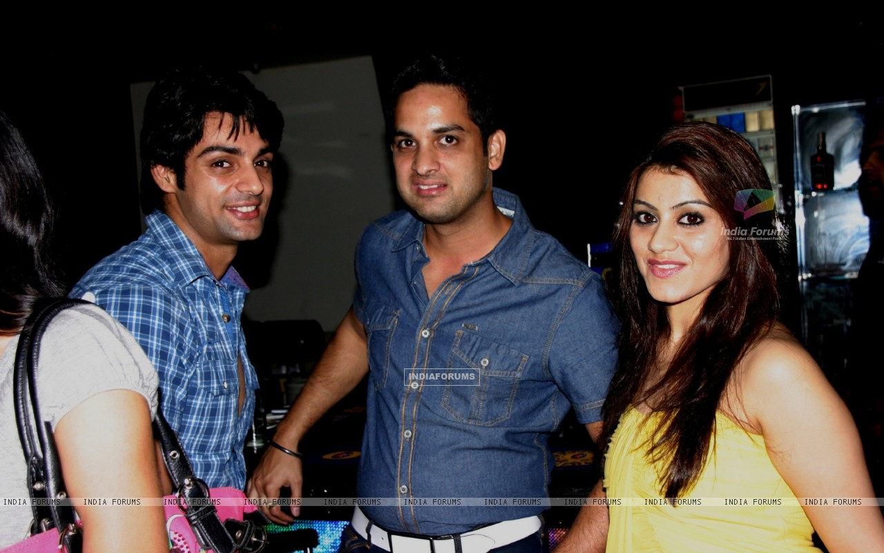 Vikas Kalantri and Priyanka Chibber at Karan Wahi Birthday Party (206671) size:1280x800