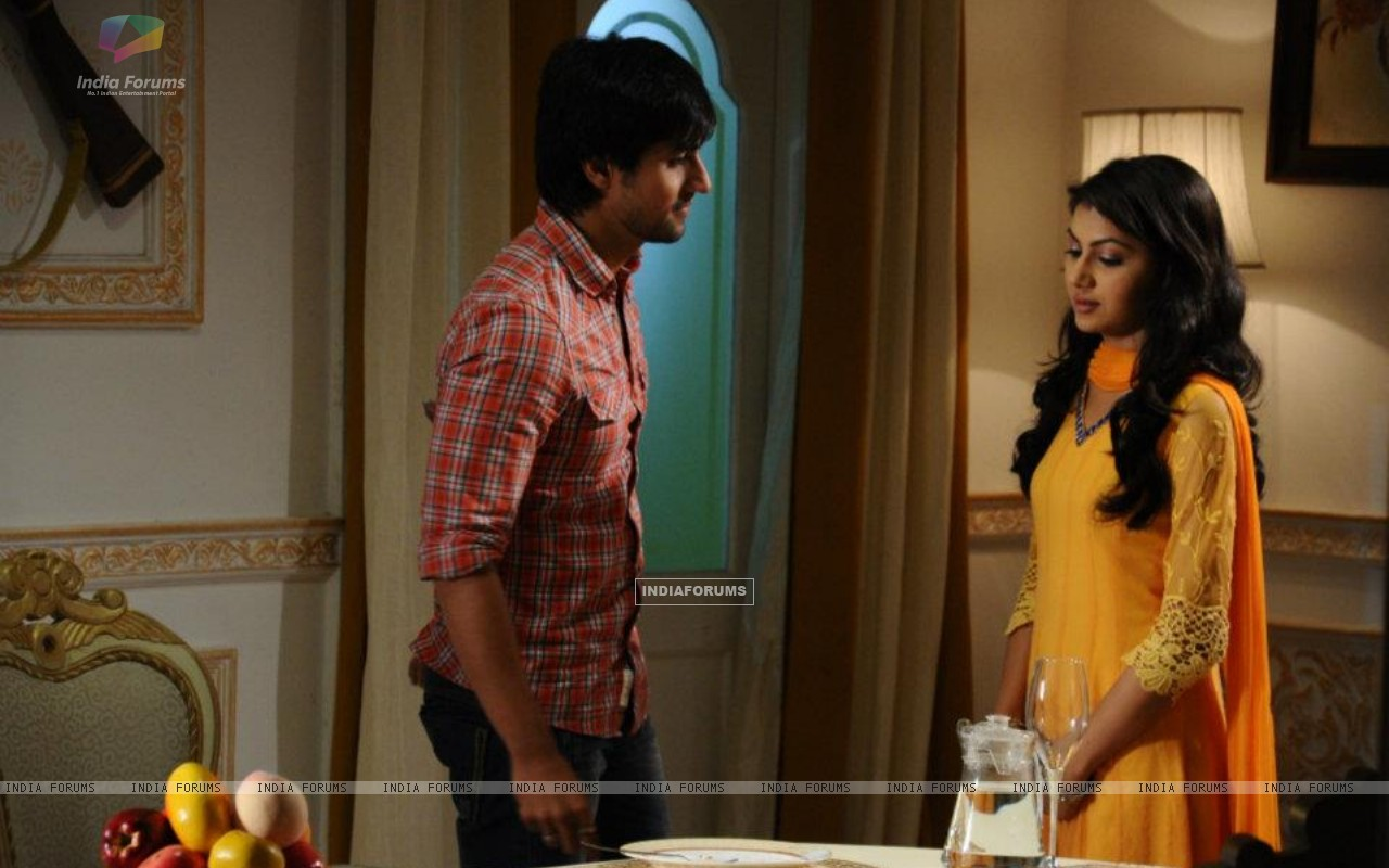 Harshad Chopra and Sriti Jha (208544) size:1280x800