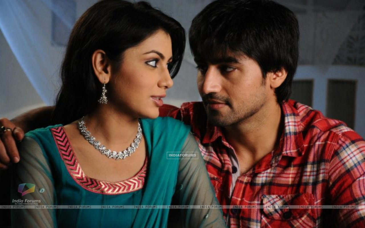 Sriti Jha and Harshad Chopra (209098) size:1280x800