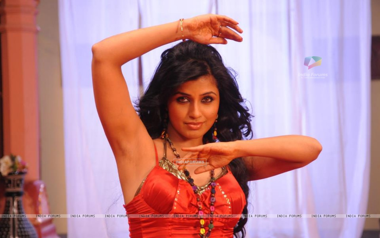 Arti Puri shooting for a dance sequence (211216) size:1280x800