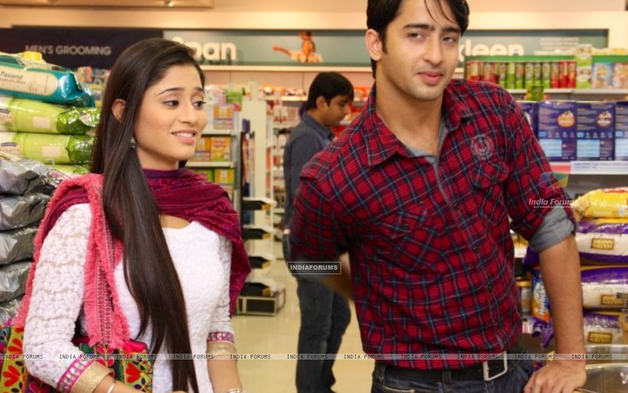 Shaheer Sheikh and Soumya Seth as Anant and Navya in Navya (215016) size:1280x800